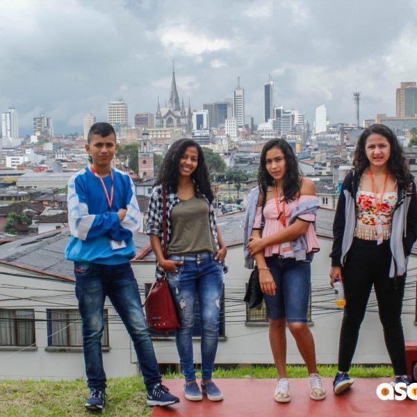 A las Familias de los Chic@s que viajaron a la Bienal en Manizales
